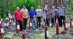 Православне братство ліквідувало наслідки буревію на військовому кладовищі